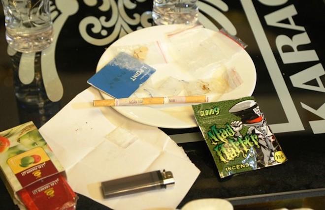 Vụ sếp ngân hàng cùng nữ giáo viên phê ma tuý: Các đối tượng đã nuốt 17,5 viên ma túy - Ảnh 3.