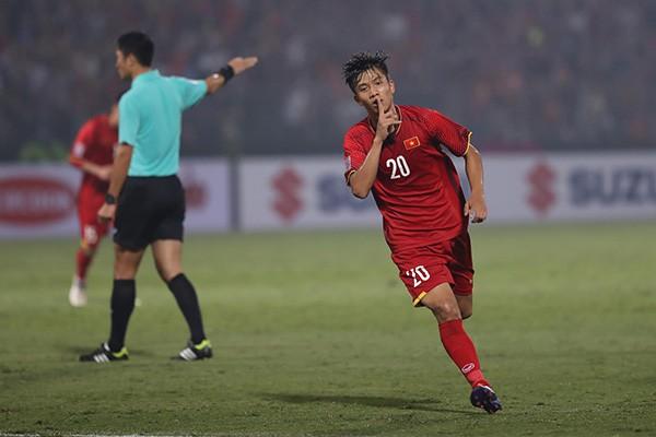 """Không chỉ Quang Hải, có một người khác đã giành """"bóng vàng"""" trong tim CĐV Việt Nam - Ảnh 1."""