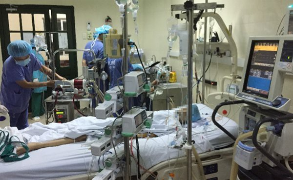 Kỷ lục, Việt Nam thực hiện đồng thời lấy 6 tạng từ người cho chết não, cứu sống 5 bệnh nhân - Ảnh 4.