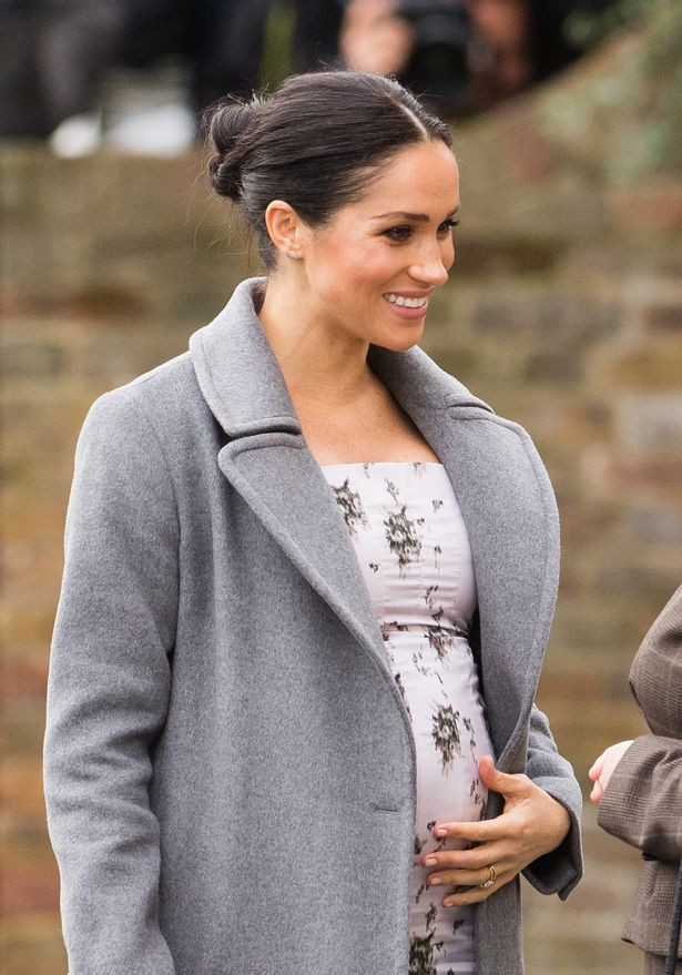 Mái tóc bị chê rối rắm, không gọn gàng của Meghan vô tình tiết lộ chi tiết mới về em bé hoàng gia - Ảnh 1.