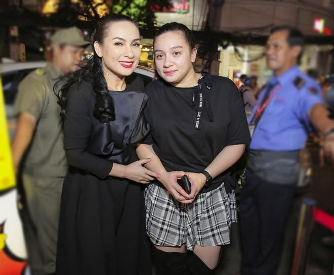 Ngoài Phi Nhung, Mạnh Quỳnh còn có hàng loạt sao Việt khác bị khán giả nhầm là vợ chồng - Ảnh 12.