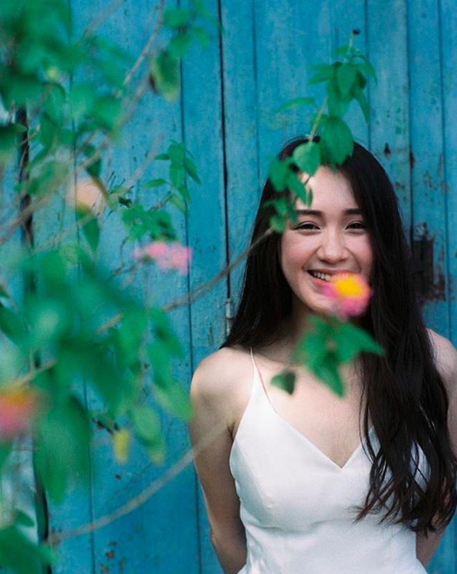 Hot girl Lào gốc Việt lên xe hoa sau hơn 2 năm hẹn hò với người yêu điển trai - Ảnh 1.