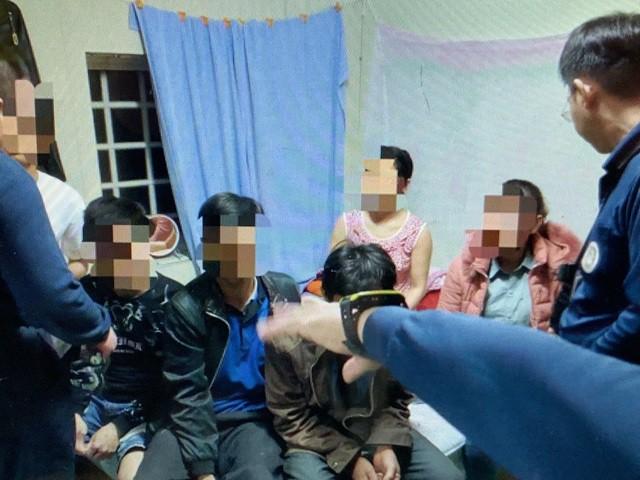 Đài Loan đã bắt giữ 14 du khách Việt, trong đó một số nữ du khách tự ra trình diện do lo sợ - Ảnh 8.
