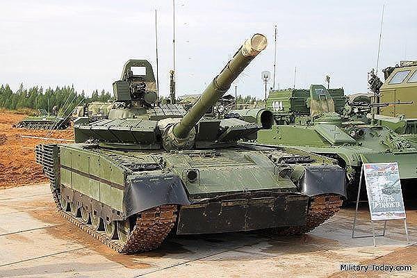 [ẢNH] Chiến tăng bay T-80BVM Nga trang bị đạn Uranium nguy hiểm cỡ nào? - Ảnh 2.