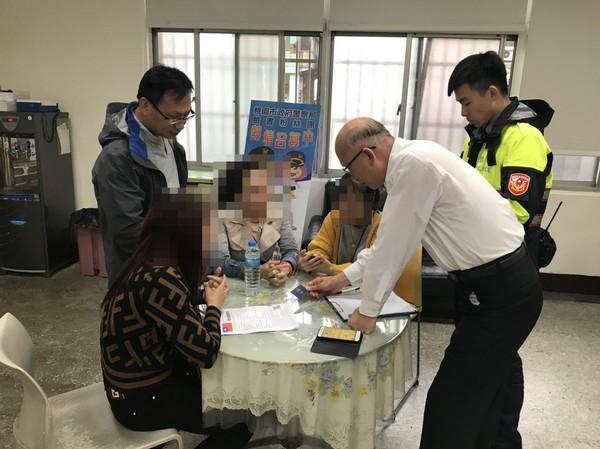 Đài Loan đã bắt giữ 14 du khách Việt, trong đó một số nữ du khách tự ra trình diện do lo sợ - Ảnh 3.