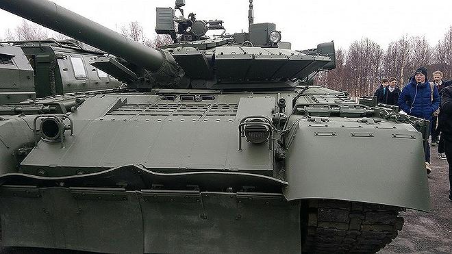 [ẢNH] Chiến tăng bay T-80BVM Nga trang bị đạn Uranium nguy hiểm cỡ nào? - Ảnh 12.