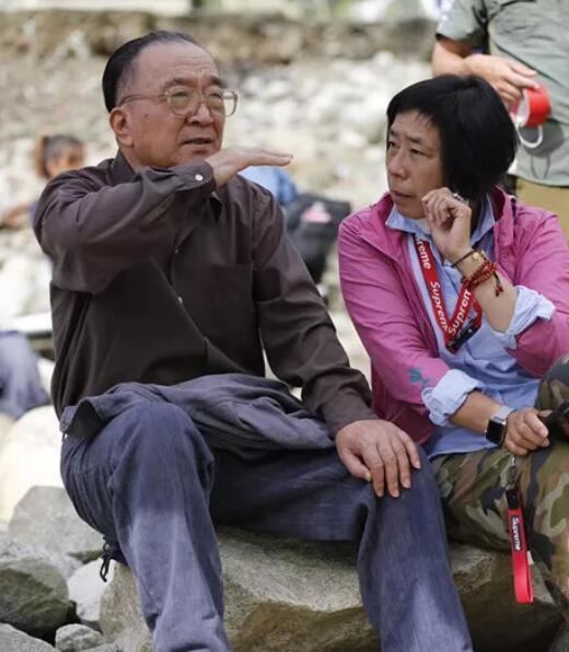 Tể tướng Lưu Gù kinh điển: Sống bình dân, bị tẩy chay nhiều năm, ngoài 70 tuổi mới trở lại đóng phim - Ảnh 8.