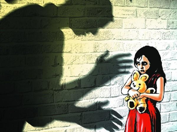 Nữ sinh 10 tuổi viết thư ẩn danh tố cáo cha ruột lạm dụng tình dục gây chấn động Hong Kong - Ảnh 2.