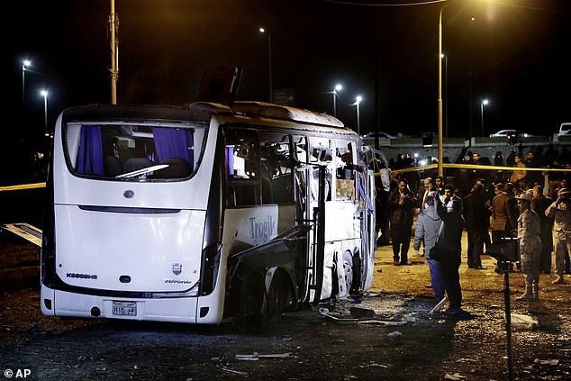 Du khách Việt bị đánh bom khủng bố ở Ai Cập được chi trả bảo hiểm tối đa 2,4 tỷ đồng - Ảnh 1.