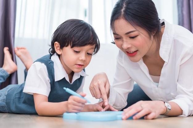 Dạy gì thì dạy, khi nuôi dạy con trai, bố mẹ cần tránh 3 câu nói này - Ảnh 1.