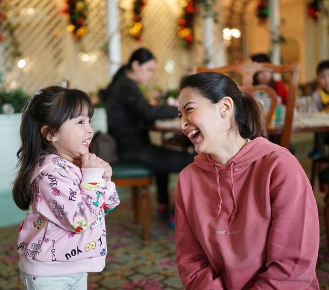 Mới đó mà con gái của mỹ nhân đẹp nhất Philippines đã lớn cỡ này, nhan sắc cô bé khiến nhiều người dự đoán sớm soán ngôi mẹ - Ảnh 3.