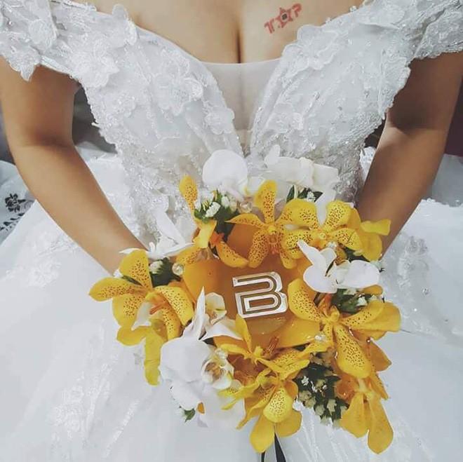 Khi cô dâu và chú rể đều là fan Big Bang: Sân khấu ngập tràn sắc vàng, hoa cưới cũng chính là lightstick - Ảnh 5.