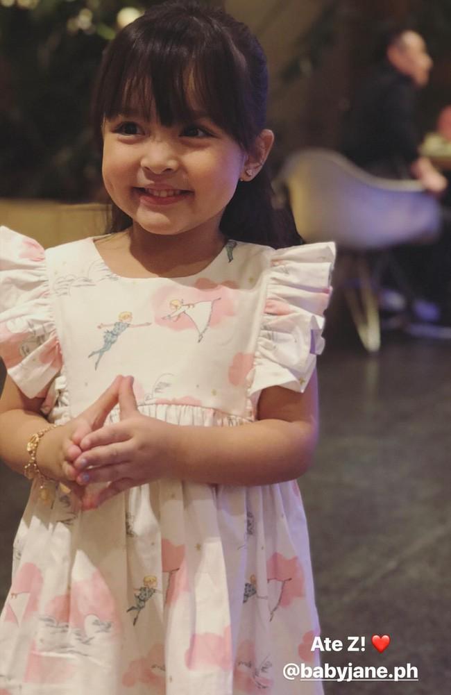 Mới đó mà con gái của mỹ nhân đẹp nhất Philippines đã lớn cỡ này, nhan sắc cô bé khiến nhiều người dự đoán sớm soán ngôi mẹ - Ảnh 9.