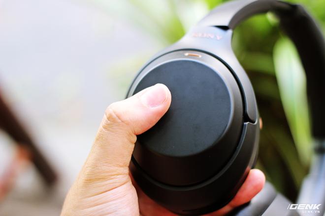 Tai nghe Sony WH-1000XM3: Chống ồn bá đạo, 10 phút sạc cho 5 giờ nghe nhạc, giá rẻ hơn phiên bản cũ! - Ảnh 10.