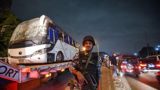 Nạn nhân vụ đánh bom khủng bố ở Ai Cập sắp bay về Việt Nam - Ảnh 3.