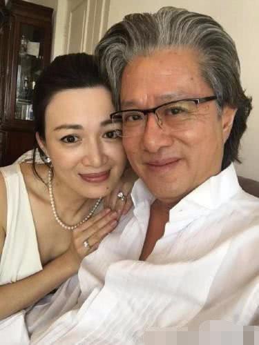 Mỹ nhân Lộc Đỉnh Ký mang thai lần 3 ở tuổi 42 với chồng đại gia - Ảnh 4.