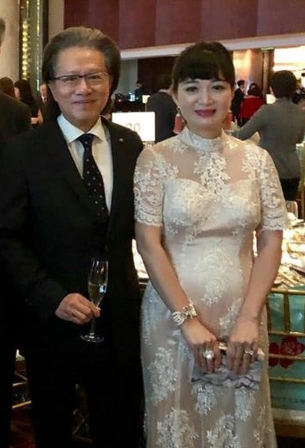 Mỹ nhân Lộc Đỉnh Ký mang thai lần 3 ở tuổi 42 với chồng đại gia - Ảnh 7.