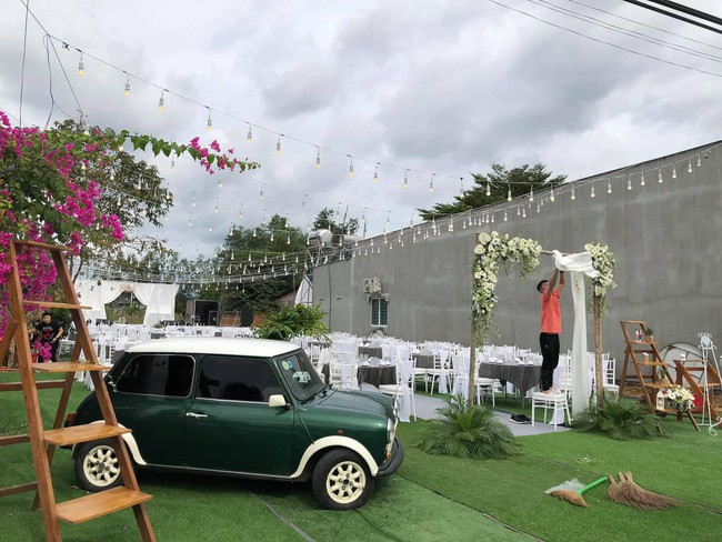 Rapper Tiến Đạt rạng rỡ bên cô dâu 9X trong đám cưới tại quê nhà - Ảnh 10.