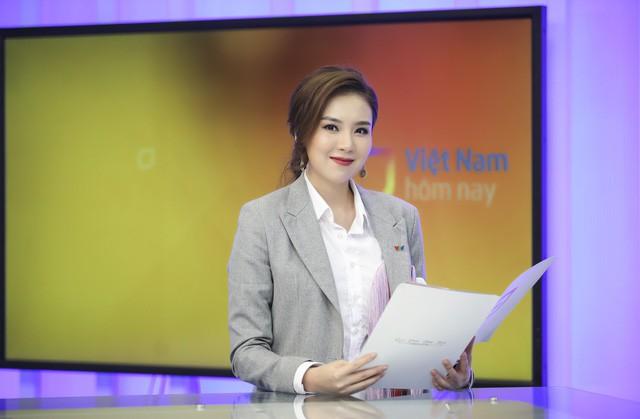 Sao Việt, kẻ miệt mài chạy show, người ung dung nghỉ Tết - Ảnh 3.
