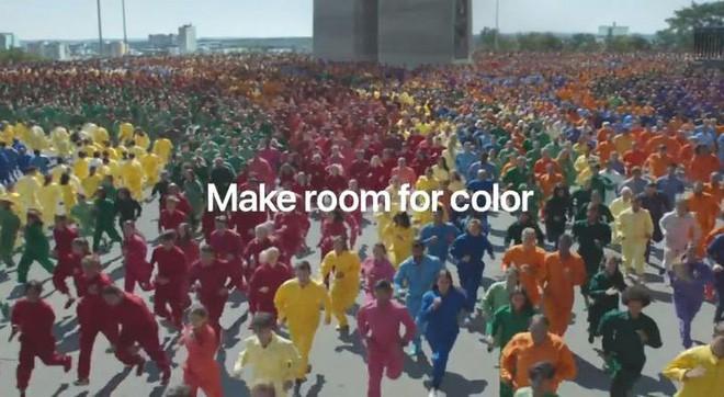 Quảng cáo iPhone XR mới nhất: Đầy màu sắc nhưng tẻ nhạt và không mấy ấn tượng - Ảnh 3.