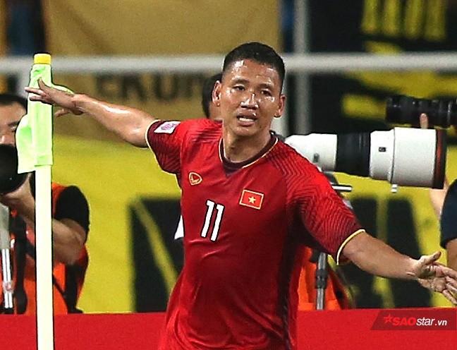 Song Đức: Tỷ phú bóng đá và cầu thủ nghèo nhất tuyển Việt Nam - Ảnh 1.
