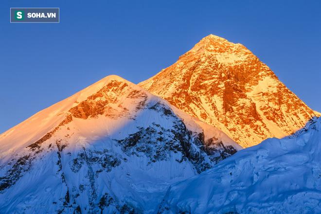 Tứ đại đỉnh núi của dãy Himalaya: Thế giới bí mật chưa có bước chân con người - Ảnh 1.