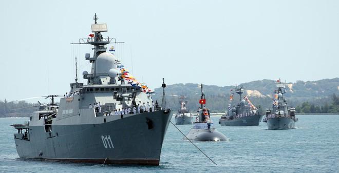 Giáo sư Thayer: Hải quân Việt Nam đã có đột phá lớn với tàu ngầm Kilo-636 - Ảnh 1.