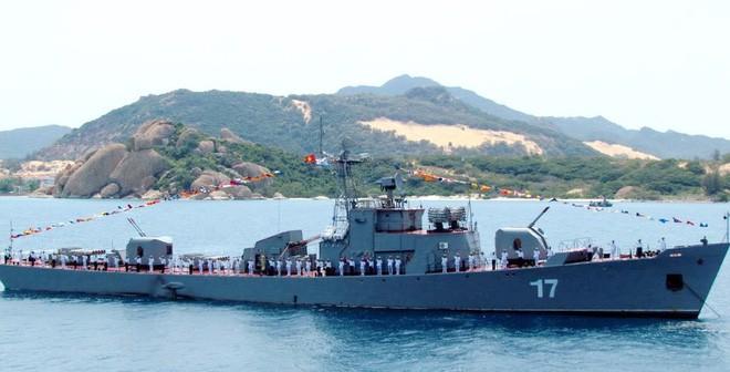 Giáo sư Thayer: Hải quân Việt Nam đã có đột phá lớn với tàu ngầm Kilo-636 - Ảnh 2.