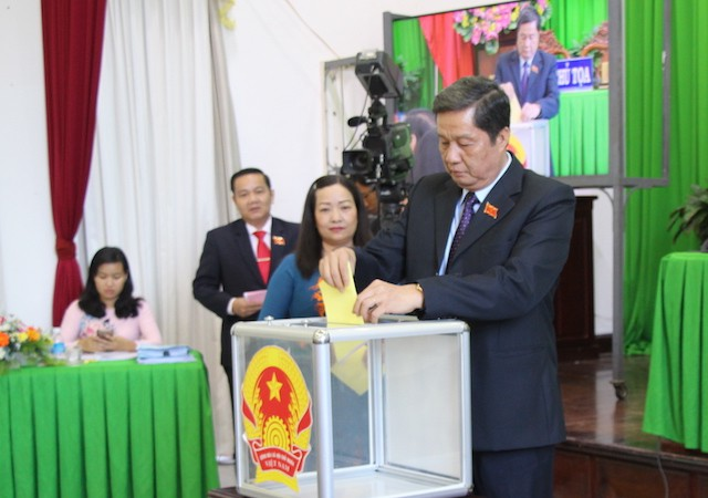Nữ Phó Chủ tịch UBND Cần Thơ có phiếu tín nhiệm thấp nhiều nhất - Ảnh 1.