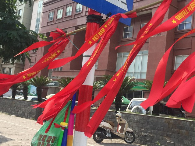 Choáng ngợp trước hình ảnh cờ đỏ sao vàng trước trận Việt Nam - Philippines - Ảnh 3.