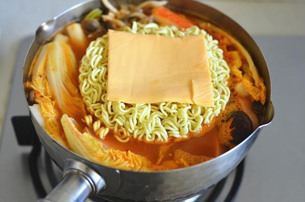 Chồng tôi chúa ghét mì tôm, nhưng khi tôi dùng tuyệt chiêu này để nấu thì anh ăn liền 1 lúc cả 2 tô - Ảnh 4.
