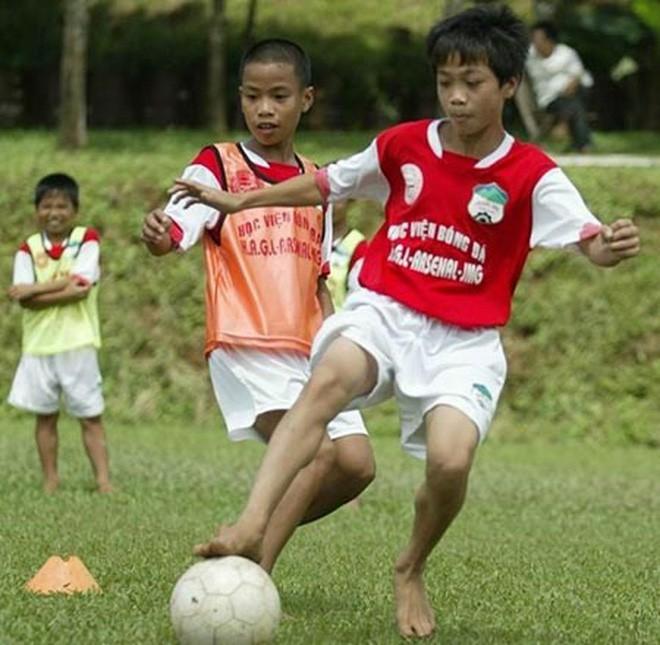 Lứa Quang Hải, Công Phượng đang ở đâu khi Việt Nam giành cúp vô địch AFF Cup 2008? - Ảnh 1.
