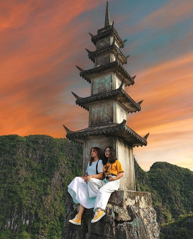 Tọa độ check-in hot nhất ở Ninh Bình: Hùng vĩ và ảo diệu không thua gì cảnh phim cổ trang - Ảnh 11.