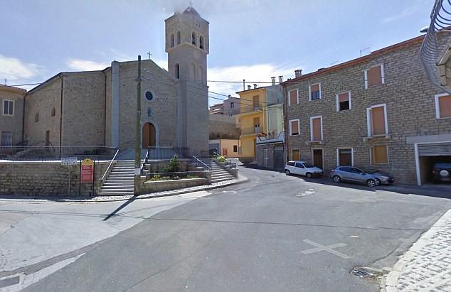 Ghé thăm thị trấn nơi mỗi ngôi nhà được bán với giá chỉ 28.000 đồng  - Ảnh 3.