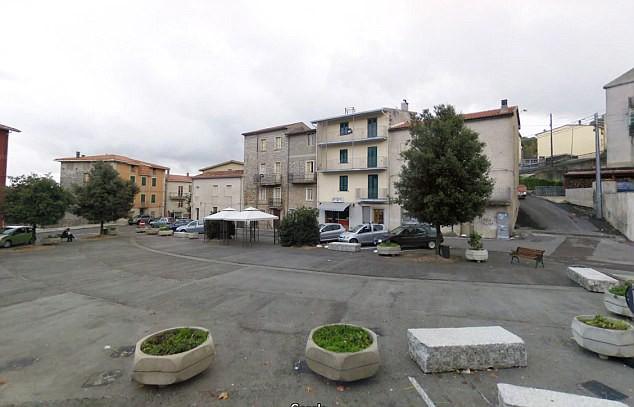 Ghé thăm thị trấn nơi mỗi ngôi nhà được bán với giá chỉ 28.000 đồng  - Ảnh 7.