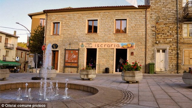 Ghé thăm thị trấn nơi mỗi ngôi nhà được bán với giá chỉ 28.000 đồng  - Ảnh 5.