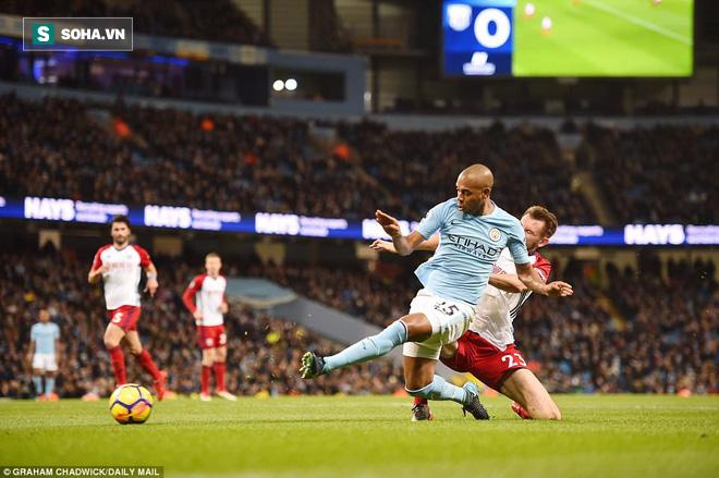 Tân binh 57 triệu bảng ra mắt, Man City sạch lưới, thắng dễ như trở bàn tay - Ảnh 2.