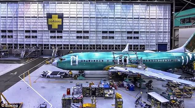 Chưa tới 1 phút, bạn sẽ biết chiếc Boeing mới nhất được sản xuất như thế nào! - Ảnh 6.
