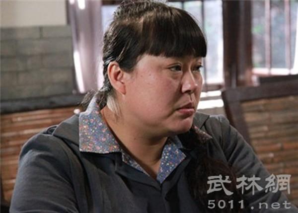 Người đẹp ngàn cân bị chồng bỏ vì quá béo, lột xác xinh đẹp cưới mỹ nam kém 15 tuổi - Ảnh 3.