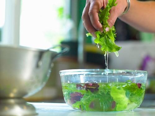 8 lưu ý giúp chị em lựa chọn thực phẩm tươi ngon cho mâm cỗ Tất niên - Ảnh 12.