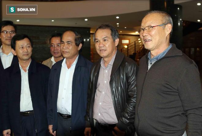 Bầu Đức nhận tin vui nhờ công mang HLV Park Hang-seo về Việt Nam - Ảnh 2.