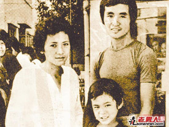 Người phụ nữ cô độc khiến Lưu Đức Hoa phải quỳ gối trước hàng trăm người - Ảnh 7.