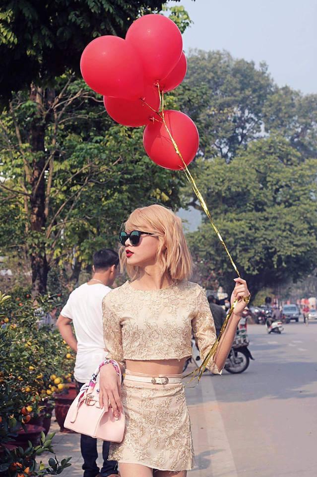 Xuất hiện trên đường phố, chàng trai khiến nhiều người giật mình vì tưởng là Taylor Swift - Ảnh 1.
