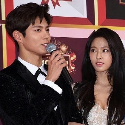 Nam tài tử may mắn nhất châu Á: Từ nữ thần Hậu duệ mặt trời, Yoona cho đến loạt mỹ nhân đều nhìn ngây ngốc - Ảnh 3.