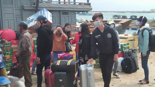 Chở Tết ra đảo Lý Sơn - Ảnh 10.