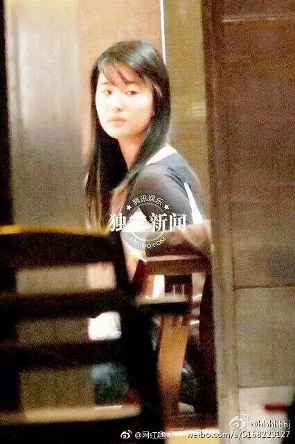 Lưu Diệc Phi - cô nàng lười trang điểm nhất của showbiz khi luôn thích diện mặt mộc ra phố - Ảnh 9.