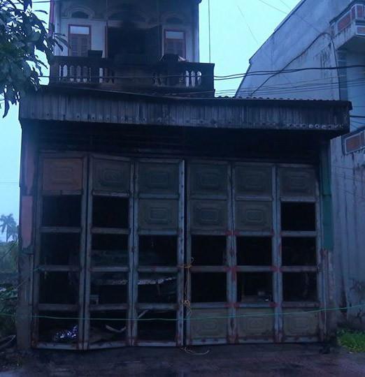 Cháy nhà rạng sáng mùng 1 Tết khiến một người tử vong, 3 chiến sỹ Công an bị thương - Ảnh 1.