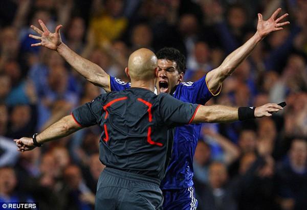 Trọng tài Ovrebo thừa nhận mắc sai lầm, thiếu sáng suốt ở trận Chelsea vs Barcelona 2009 - Ảnh 3.
