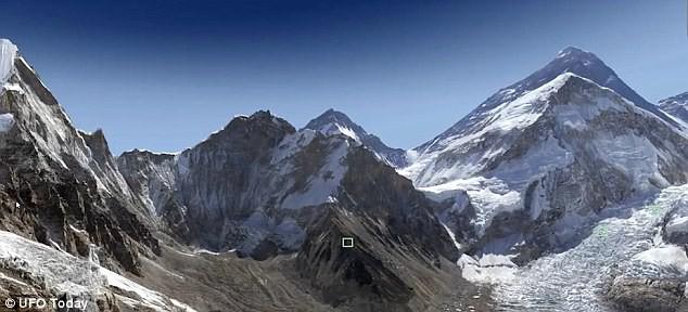 UFO đột nhiên xuất hiện ở núi Everest khiến khoa học đau đầu tìm hiểu - Ảnh 2.