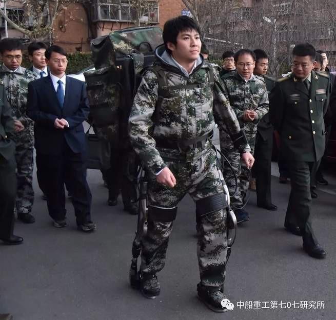 Nhanh hơn, mạnh hơn, to hơn: Công nghệ quân sự Trung Quốc đang hù dọa ai? - Ảnh 5.